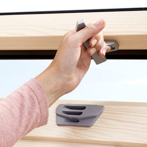 Мансардное окно Velux Optima Стандарт ручка снизу